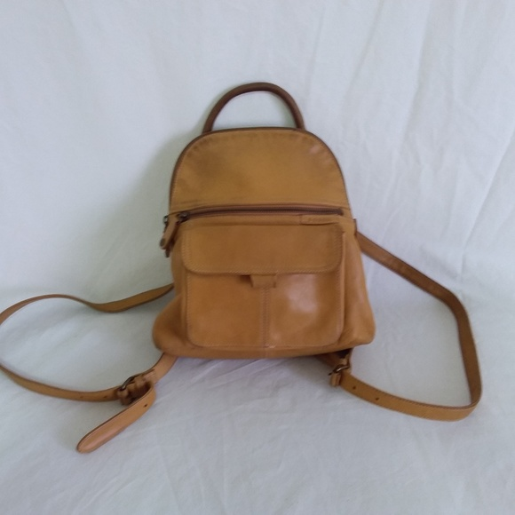 Fossil Bags   Light Brown Leather Backpack Purse   Poshmark 9729b55541